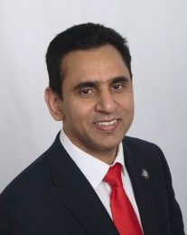 Syed Taqvi Headshot