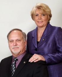 Debbie & Bruce Heckendorn  Headshot