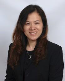 Yun Yan Huang Headshot