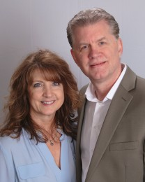 David & Catherine Lipinczyk Headshot