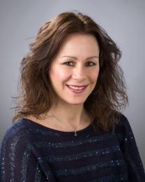 Laura Mohr Headshot