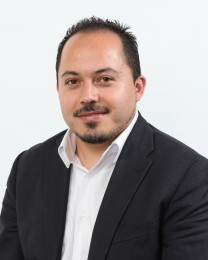 Eric Rodriguez Headshot